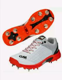 Gunn & Moore - Original Spike Cricket Shoes - Size UK 4 *RRP £65*