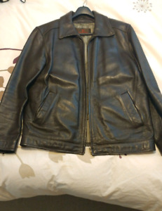 Men's real leather jacket with removable liner