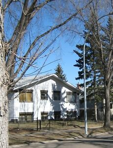 Townhouse near Whyte Avenue, Millcreek Ravine and U of A
