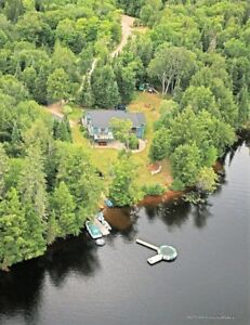 Waterfront Emsdale On. 1.6 acres 3400sqft 3 car garage