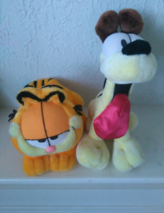 GARFIELD AND ODIE PLUSH TOYS