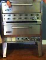 Gas 2 Deck Pizza Oven (MKE Model 552) Great Condition!
