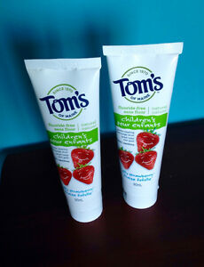Toms NEW flouride-free Toothpaste (safety seal intact)