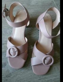 Size 6 heels / sandles