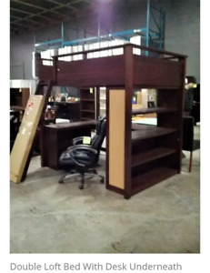 Loft Bed Double/Full size bed with desk. Holds up 400 lbs