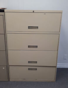 Filing cabinet with 4 drawers with keyed lock