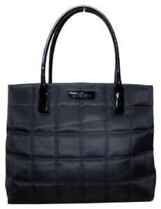 e8a1482c8f Givenchy   Buy or Sell Women's Bags & Wallets in Ontario   Kijiji ...