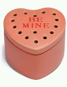 NEW SCENTSY BE MINE PINK VALENTINE HEART WARMER
