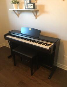 Piano Yamaha CLP-220