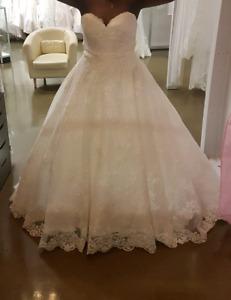 Allure bridal ball wedding gown  $1000
