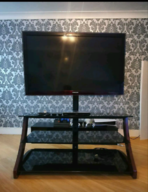 Samsung 46inch HD ready TV, TV stand & 3d/4k blue Ray player