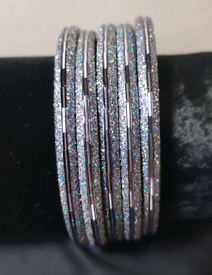 Fashion jewellery women's back coloured & silver glittered bangles