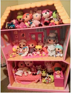 Huge Lalaloopsy house, dolls, and accessories