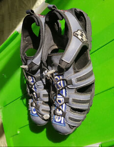 Mens Light Sandals Sport Beach Pool Size 9 Rare europe$9.99