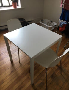Table à diner IKEA pour deux / IKEA Dinning table for 2