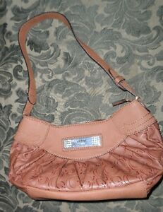 cute guess brown handbag/ purse