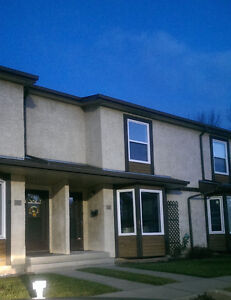 NEWLY RENOVATED 3 BEDROOM TOWNHOUSE FOR RENT IN BEAUMARIS