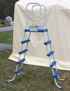 ABOVE GROUND SWIMMING POOL LADDER $30.00