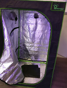 GROW TENT - 5ft x 5ft x 6ft - BRAND NEW - REFLECTIVE