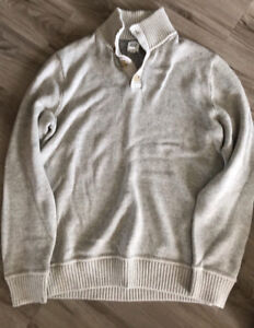 Men's Old Navy and Gap sweater