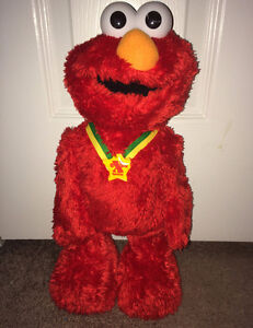 Tickle Me Elmo Extra Special Edition TMX Doll Fisher Price