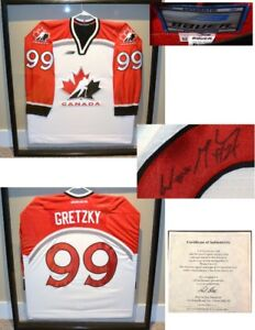 Wayne Gretzky Canada Olympics Autographed & Framed Jersey