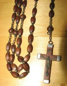 CHAPELETS / ÉTUI - LIVRES ..... ROSARIES / CASES - POCKET MISSAL
