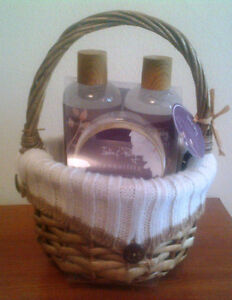 Unopened-SPA GiftSetBasket-India&Purry 'Tranquility' Vanilla&Fig