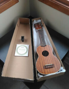 Soprano Ukulele set - LIKE NEW in box