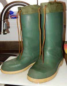 Insulated rubber boots tie tops size 7.5 or so gently used