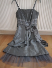 Gorgeous satin dress with net underskirt Size small