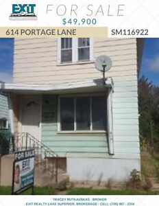AFFORDABLE STARTER HOME OVERLOOKING INTERNATIONAL BRIDGE