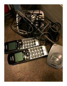 Set of 2 Uniden Cordless Phones with charger