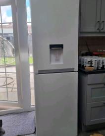 White samsung water dispenser frost free fridge freezer