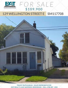 LOVELY STARTER OR RENTAL WITH LARGE BACKYARD