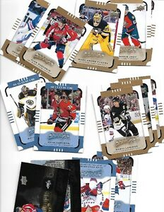 Huge lot of over 10000 hockey cards with albums and many sheets