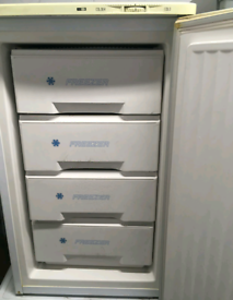 Freezer, ice-line
