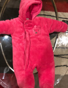 New Absorba infant baby snowsuit/ bunting size 0-3