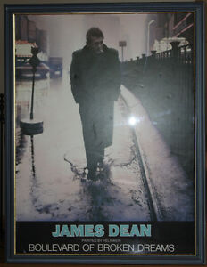 LARGE GLASS FRAMED PICTURE OF JAMES DEAN