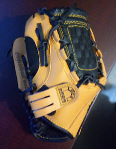 Brand New - Right Hand Junior Baseball Glove