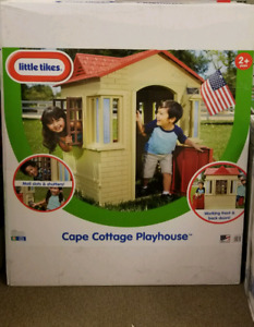 Cape Cottage Playhouse by little tikes