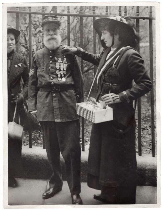 WWI Italy Mr Hayden Garibaldi Hero Has Flag Pinned on by Bersaglieri Girl Photo