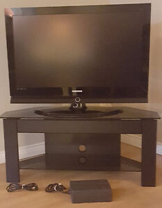 "Samsung 40"" LCD HDTV With TV Stand & Surge/Battery Protector"
