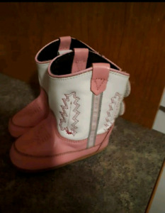 Cowgirl crib shoes