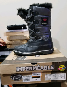 Superfit Woman's Size 9 Winter Boots