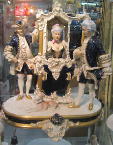 ROYAL DUX BOHEMIA PORCELAIN CENTERPIECE