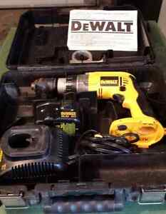 """DeWalt XPR 1/2"""" CORDLESS 14V DRILL DRIVER with BATTERY/CASE"""
