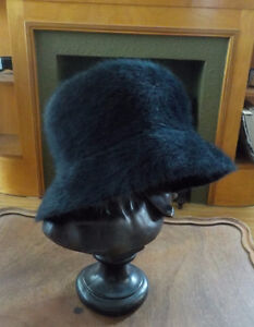 PARKHURST BLACK ANGORA RABBIT FUR HAT - MINT CONDITION