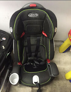 Brand new Graco Nautilus 3-in-1 Car Seat - NEVER USED