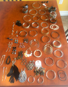 **LOT OF COSTUME JEWELLERY FOR SALE**